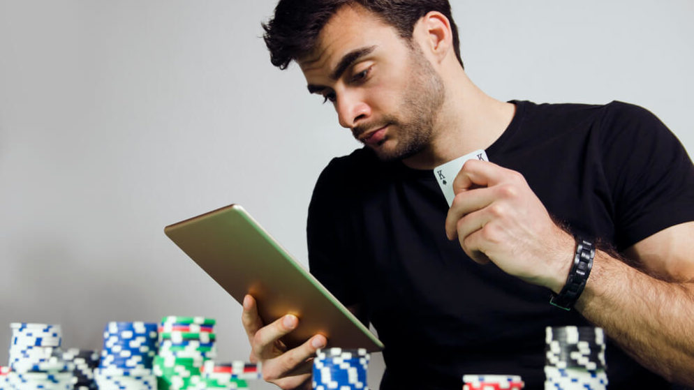 Poker Websites See 60% Increase In Month Of April
